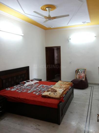 Bedroom Image of Girls PG in Sector 37