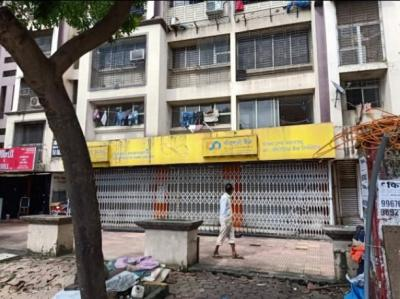 Gallery Cover Image of 1100 Sq.ft 4 BHK Independent Floor for rent in Malad West for 240000