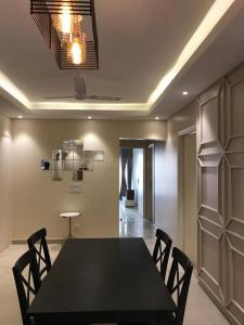 Gallery Cover Image of 2000 Sq.ft 3 BHK Apartment for rent in Supertech Supernova, Sector 94 for 30000