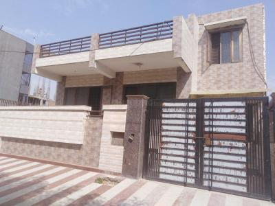 Gallery Cover Image of 2007 Sq.ft 3 BHK Independent House for rent in Sector 42 for 75000