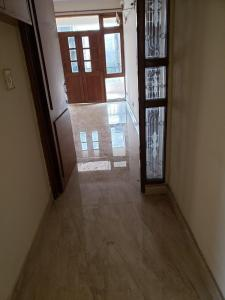 Gallery Cover Image of 1500 Sq.ft 3 BHK Apartment for rent in Sector 4 Dwarka for 26000