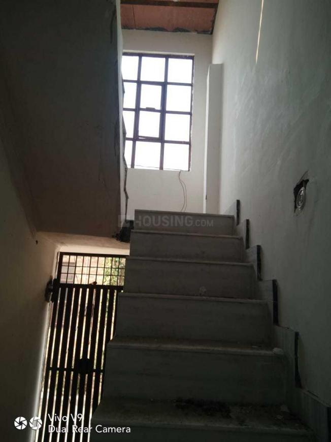 Staircase Image of 400 Sq.ft 1 BHK Independent House for buy in Chipiyana Buzurg for 1655000