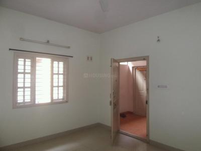Gallery Cover Image of 850 Sq.ft 2 BHK Apartment for rent in Kacharakanahalli for 18000