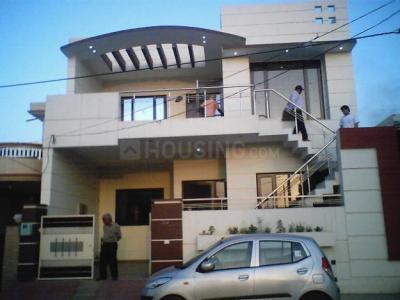 Gallery Cover Image of 750 Sq.ft 1 BHK Independent Floor for rent in Sector 4 for 9999