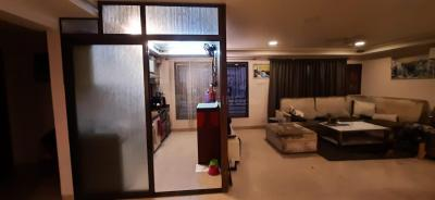 Gallery Cover Image of 750 Sq.ft 2 BHK Apartment for rent in Suraj Aashiyana Apartment, Khar West for 110000