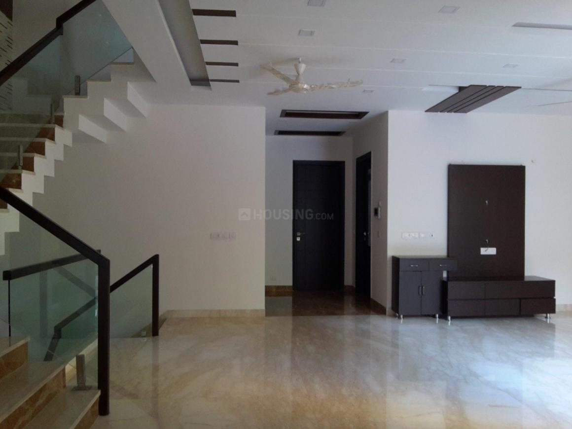 Living Room Image of 1000 Sq.ft 2 BHK Independent Floor for buy in DLF Phase 2 for 27000000