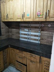 Gallery Cover Image of 550 Sq.ft 1 BHK Independent Floor for rent in Vikaspuri for 10000