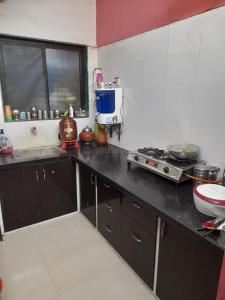 Gallery Cover Image of 2000 Sq.ft 3 BHK Apartment for rent in  Intercity, Thaltej for 20000