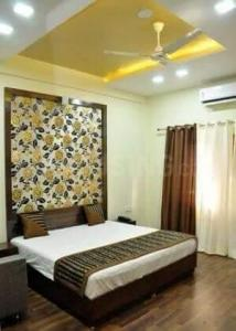 Gallery Cover Image of 3560 Sq.ft 3 BHK Apartment for rent in Ajabpur Khurd for 35000