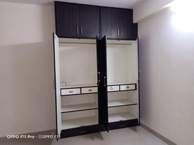 Gallery Cover Image of 1350 Sq.ft 2 BHK Apartment for rent in VRR Heritage I, Mahadevapura for 20000