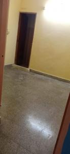 Gallery Cover Image of 615 Sq.ft 2 BHK Apartment for rent in Vadapalani for 15000