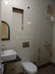 Gallery Cover Image of 1750 Sq.ft 3 BHK Apartment for rent in Sector 5 Dwarka for 28000