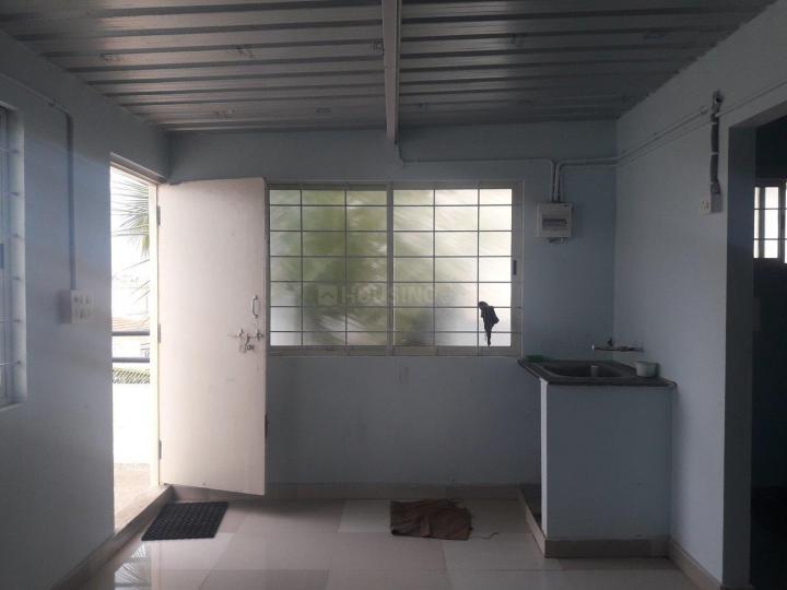 ठनिसान्द्र में श्री साई वेंकट पीजी में किचन की तस्वीर
