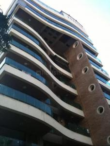 Gallery Cover Image of 1300 Sq.ft 4 BHK Independent Floor for buy in Bandra West for 190000000