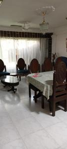 Gallery Cover Image of 1100 Sq.ft 2 BHK Apartment for rent in Modal Town, Andheri East for 40000