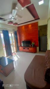 Gallery Cover Image of 960 Sq.ft 2 BHK Apartment for buy in  Indraprabha Society, Vikas Nagar for 5560000