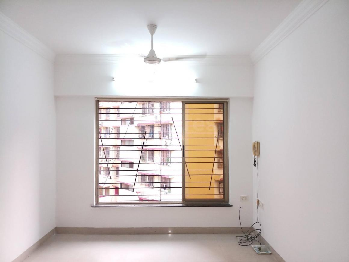 Living Room Image of 1100 Sq.ft 2 BHK Apartment for rent in Mulund East for 36000