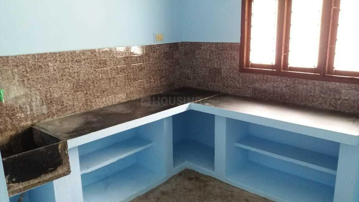 Kitchen Image of 690 Sq.ft 2 BHK Independent House for rent in Madipakkam for 14000