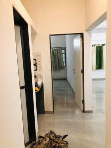 Gallery Cover Image of 950 Sq.ft 2 BHK Apartment for rent in Ghorpadi for 25000