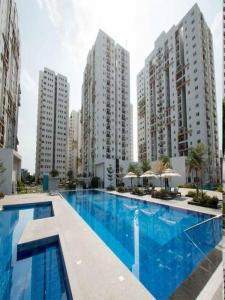 Gallery Cover Image of 1430 Sq.ft 2 BHK Apartment for buy in Peeramcheru for 6578000