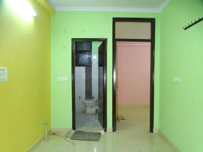 Gallery Cover Image of 450 Sq.ft 1 BHK Independent Floor for buy in Pandav Nagar for 2300000