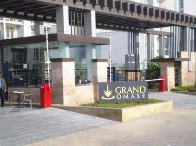 Gallery Cover Image of 1900 Sq.ft 3 BHK Apartment for rent in Omaxe Grand Woods, Sector 93B for 35000