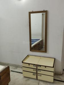 Gallery Cover Image of 800 Sq.ft 1 BHK Apartment for rent in Narmada Apartments, Alaknanda for 30000