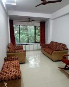 Gallery Cover Image of 950 Sq.ft 2 BHK Apartment for rent in Ghatkopar East for 39500
