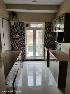 Gallery Cover Image of 1000 Sq.ft 2 BHK Apartment for buy in Santacruz East for 26000000