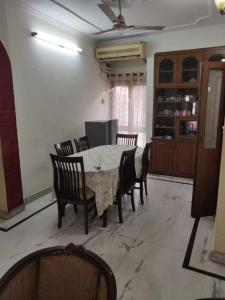 Gallery Cover Image of 1350 Sq.ft 3 BHK Independent Floor for rent in Sector 25 for 32000