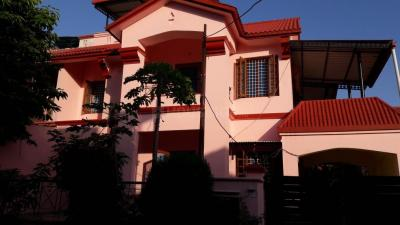Gallery Cover Image of 2000 Sq.ft 3 BHK Villa for rent in Govind Vihar for 26000