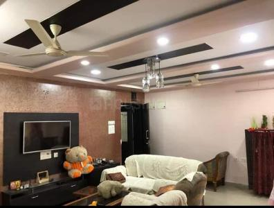 Gallery Cover Image of 1600 Sq.ft 3 BHK Apartment for rent in Tollygunge for 35000