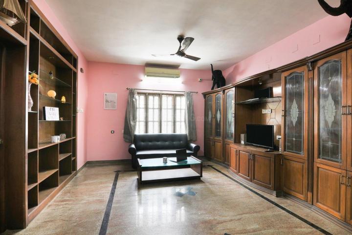 Living Room Image of Oyo Life Chn1111 in Valasaravakkam