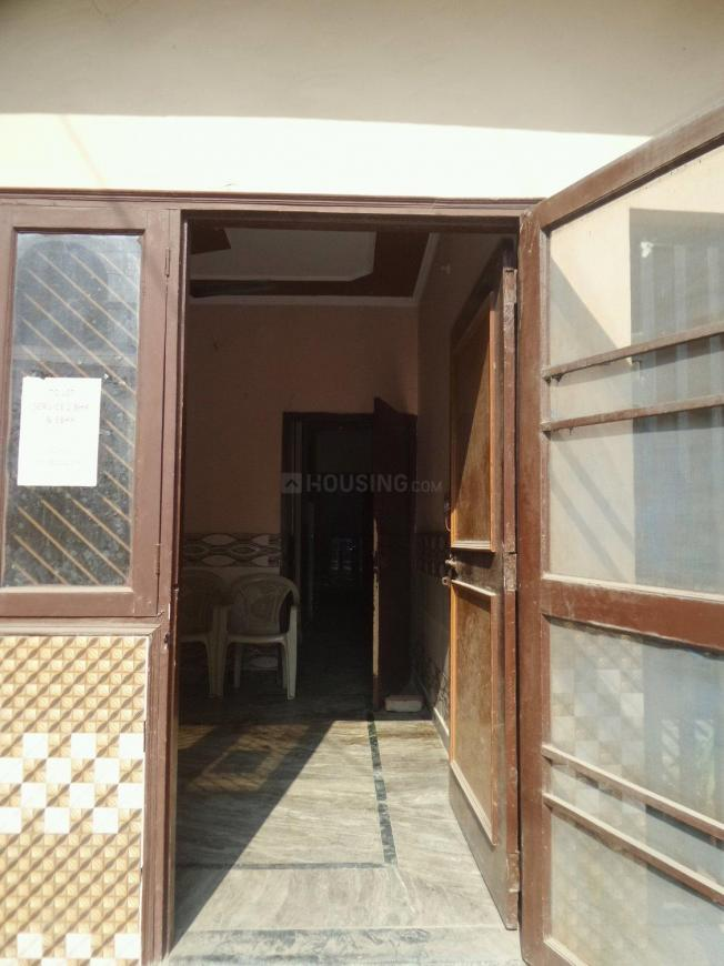 Main Entrance Image of 900 Sq.ft 3 BHK Independent Floor for buy in Shastri Nagar for 2800000