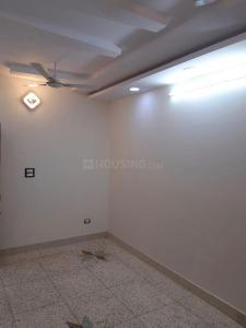 Gallery Cover Image of 900 Sq.ft 2 BHK Apartment for rent in Panchdeep Apartments CGHS, Vikaspuri for 18000