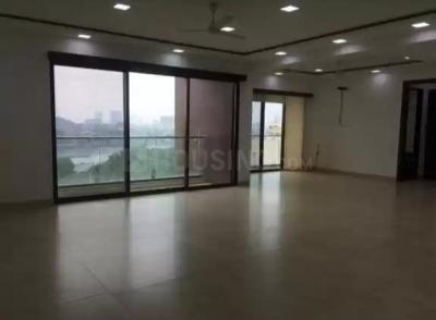 Gallery Cover Image of 3000 Sq.ft 3 BHK Apartment for buy in Bandra East for 115000000