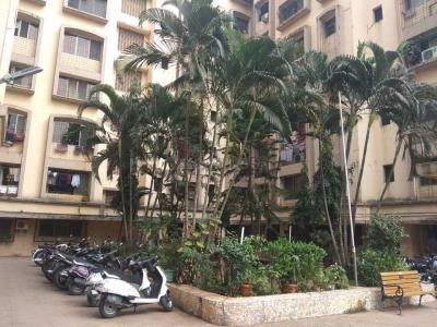 Gallery Cover Image of 920 Sq.ft 2 BHK Apartment for buy in Andheri East for 14800000