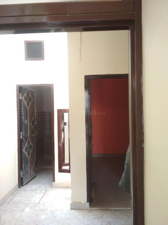 Passage Image of 450 Sq.ft 1 BHK Independent House for buy in Lal Kuan for 1850000