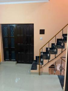 Gallery Cover Image of 1000 Sq.ft 3 BHK Independent House for buy in Sector 9B for 4200000