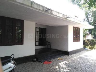 Gallery Cover Image of 1000 Sq.ft 3 BHK Independent House for buy in Kuttamassery for 3100000
