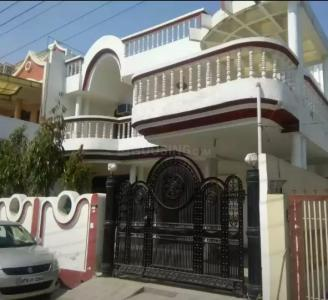Gallery Cover Image of 5400 Sq.ft 4 BHK Villa for buy in Saket for 30000000