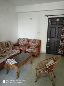 Gallery Cover Image of 1425 Sq.ft 3 BHK Apartment for rent in Crossings Republik for 9000