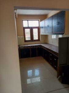 Gallery Cover Image of 1200 Sq.ft 2 BHK Independent Floor for rent in Sector 10 for 13000