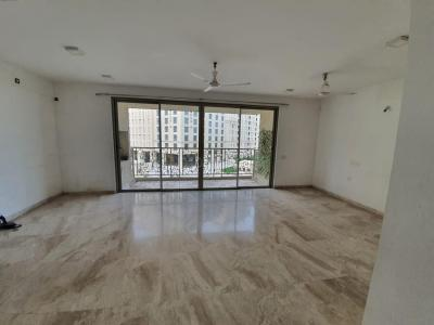 Gallery Cover Image of 1200 Sq.ft 3 BHK Apartment for rent in Rosemount, Hiranandani Estate for 56000
