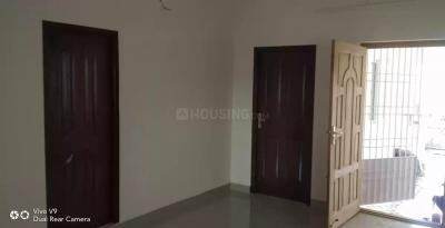 Gallery Cover Image of 750 Sq.ft 2 BHK Independent Floor for buy in Tharapakkam for 2700000