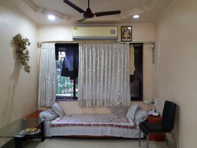 Gallery Cover Image of 650 Sq.ft 1 BHK Apartment for buy in Borivali West for 9600000