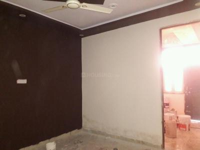 Gallery Cover Image of 360 Sq.ft 1 BHK Apartment for buy in Dwarka Mor for 1800000