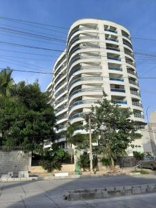 Gallery Cover Image of 2600 Sq.ft 4 BHK Apartment for rent in Aratt The Aeris Residences, Indira Nagar for 100000