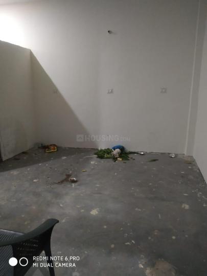 मोरता में बॉइज़ होस्टल के हॉल की तस्वीर