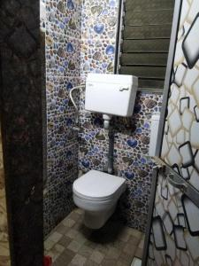 Bathroom Image of PG 4441391 Bhandup West in Bhandup West